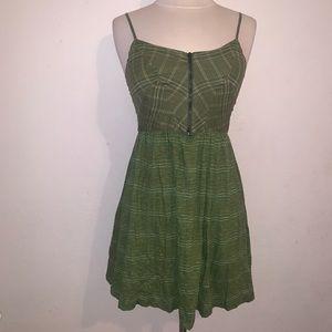 Women's green short sun dress s staring at stars